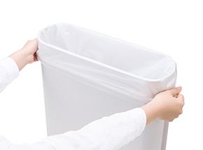 ノンタッチサニタリーBOX専用消臭袋着用イメージ