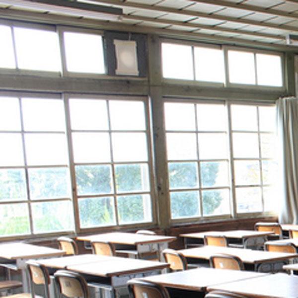 教室の窓の写真