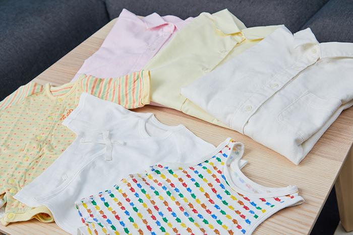生成り、パステルカラー、子供用衣類<br />