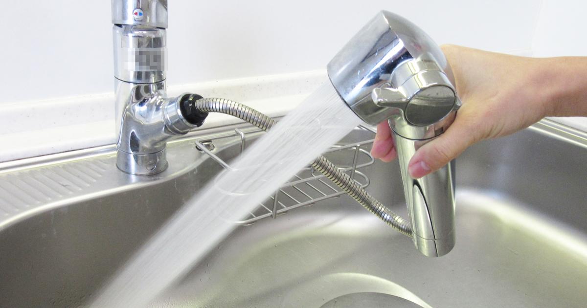 シンクのシャワーホースの水の出が悪くなる原因は?