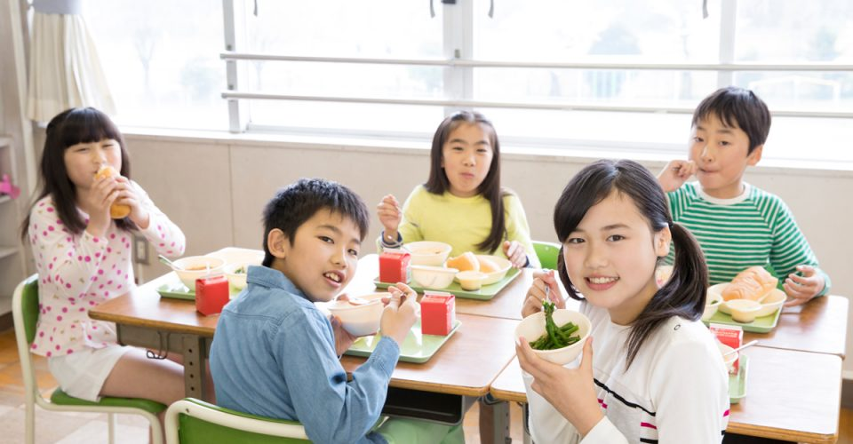 子どもの少食や栄養面に悩んだら給食の献立を参考にしてみよう