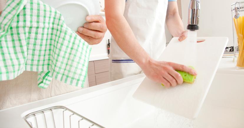 キッチンで洗い物