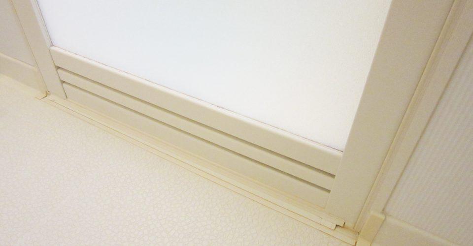 浴室のゴムパッキンに生えたカビを落とす