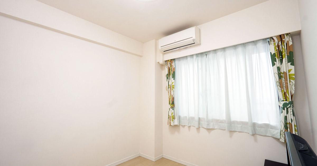 寝室の「普通のエアコン」