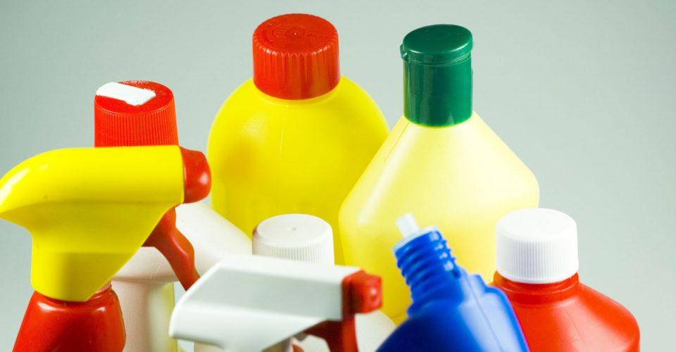 混ぜるな危険!塩素系漂白剤や酸性洗剤を正しく扱わないといけない理由